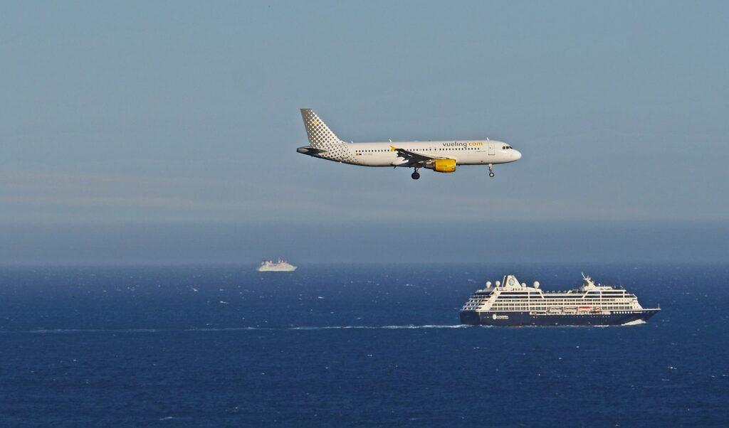 Na czym polegają loty czarterowe?